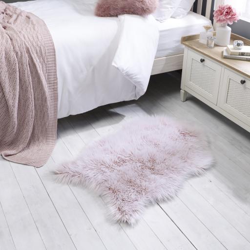 Anja Faux Fur Helsinki Sheepskin Animal Skin Shaped Washable Fluffy Rugs 60 x 90 cm (2x3')