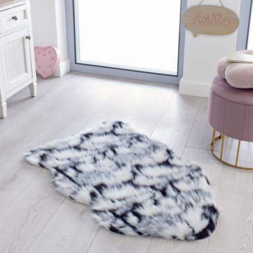 Fun Faux Fur Yeti Shaggy Rug in Black/White/Grey 60 x 90 cm (2x3')