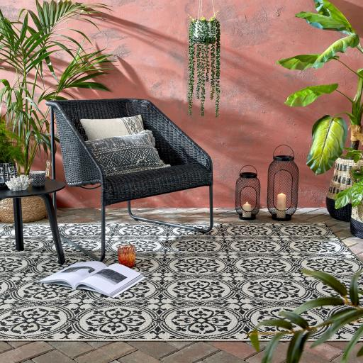 Varano Casablanca Vintage Ceramic Design Outdoor & Indoor Rug in Monochrome