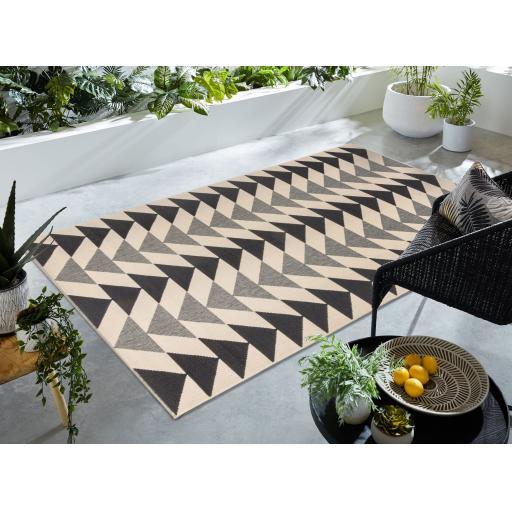 Castille Terni Flatweave Outdoor Indoor Rug in Cream Black 160 x 230 cm (5'3''x7'7'')