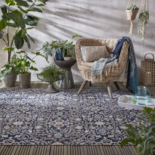 Manor Daphne Vintage Traditional Design Outdoor and Indoor Rug in Blue Multi
