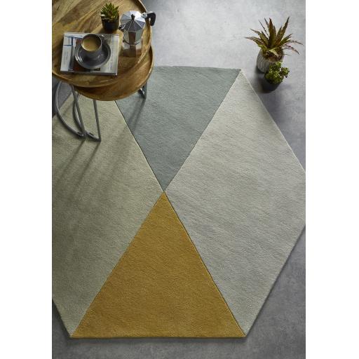 Modern Geometric Hexagon Shaped Wool Rug in Ochre and Pink Grey 150 x 180 cm (4'11''x5'10'')